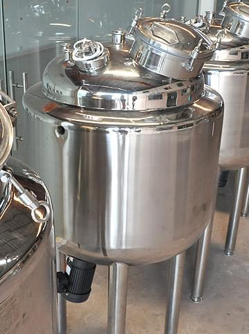 电加热磁力搅拌罐